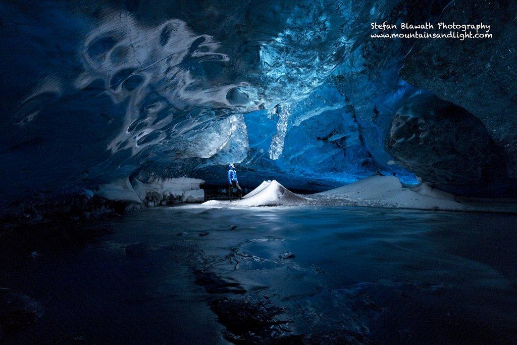The Light Room - Magic Ice Cave